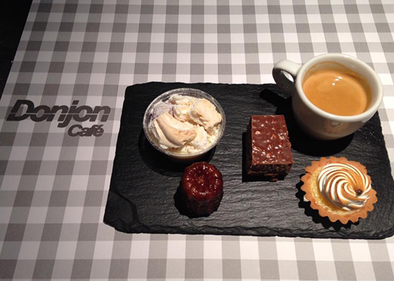 Le Donjon Café