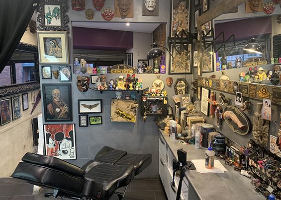 Eskimo tatoo shop